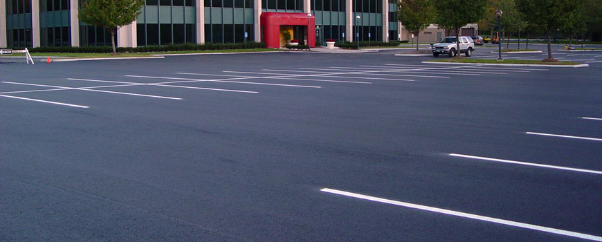 michigan-asphalt-parking-lot-paving