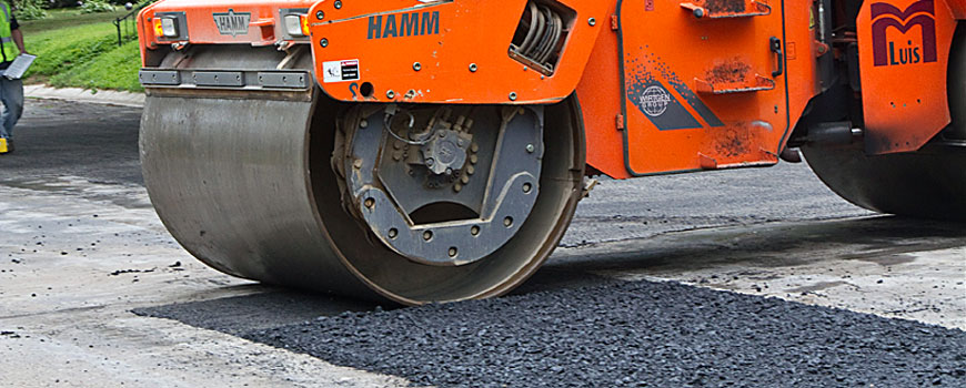 michigan-asphalt-patching-crack-filling